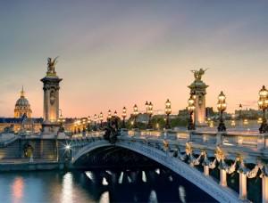 Puente en el río Sena
