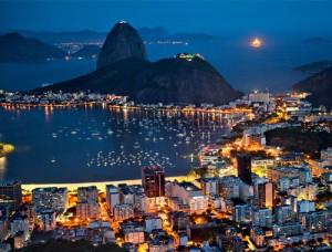 Vista nocturna de Río de Janeiro