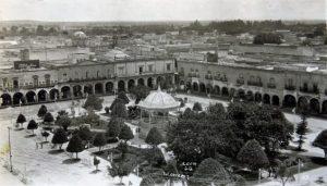 1940 Plaza Principal