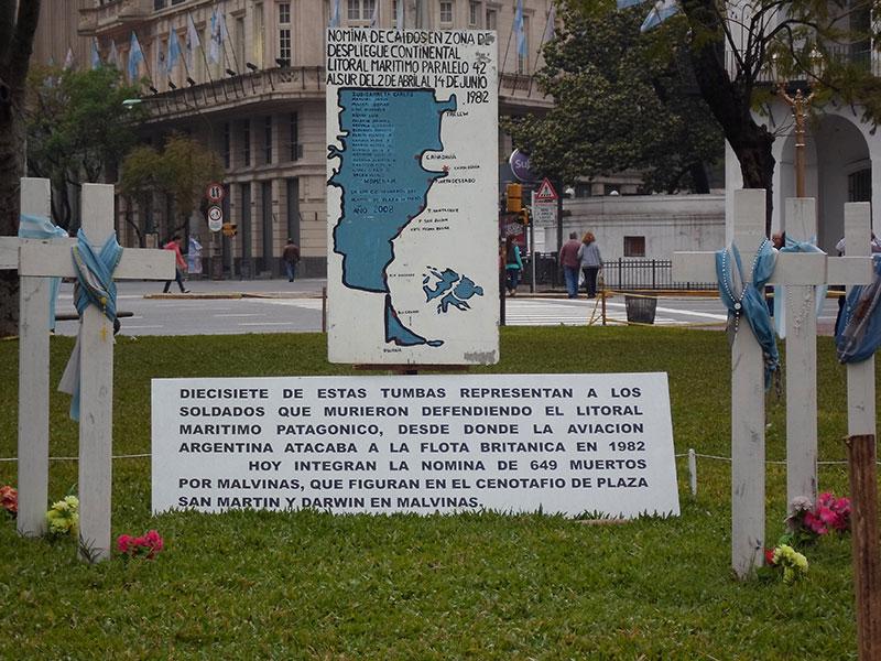 malvinas abril 2 1982 lista de caidos casa rosada microcentro buenos aires argentina